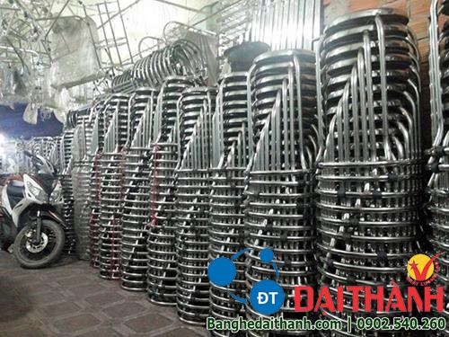 http://banghedaithanh.com/img_data/images/ghe-inox-304%20(3).jpg